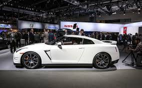 nissan gtr used 2014 first look 2014 nissan gt r automobile magazine photo gallery