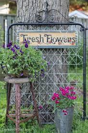 Creative Garden Decor Best 25 Vintage Garden Decor Ideas On Pinterest Vintage