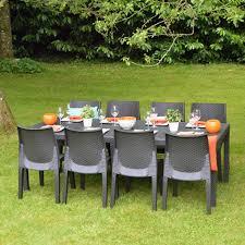 chaises tress es salon de jardin en résine tressée table 8 chaises gris