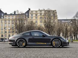 custom porsche 2017 steve mcqueen edition porsche 911 r auctioned for u20ac515 200 gtspirit