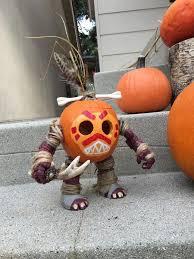 Halloween Diy Decorations by Best 25 Disney Halloween Decorations Ideas On Pinterest