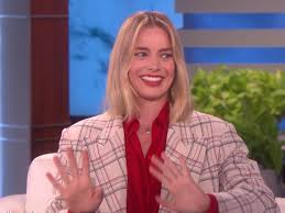 margot robbie revealed the hilarious story of how her husband almost exposed himself in front of barack obama jpg