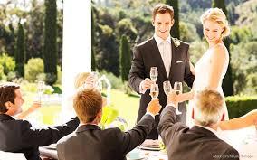 wedding gift cost groomsmen actually pay more than bridesmaids for wedding duties