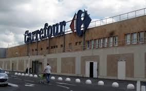 siege social carrefour massy les maires d evry et de courcouronnes demandent des comptes au pdg