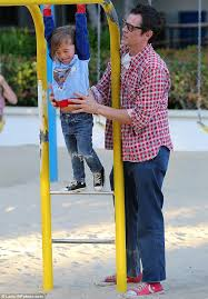 Seeking Johnny Knoxville Johnny Knoxville Shows His Parenting Skills As He Helps