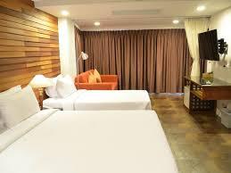 Schreibtisch Mit Erbau Hotel In Bangkok Nanda Heritage Hotel