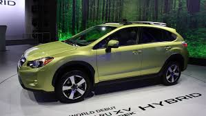 subaru crosstrek green subaru new xv hybrid gets new eco cruise control function auto