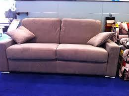 comment entretenir le cuir d un canapé comment entretenir le cuir d un canapé beautiful canape magasin