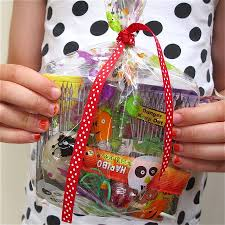 Halloween Party Bag Ideas by 28 Halloween Party Bag Ideas Filled Trick Or Treat