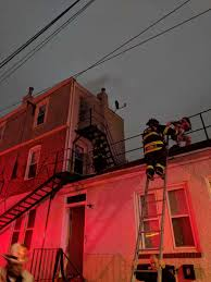 roof rescue accompanies firefight at another wilmington 3 story