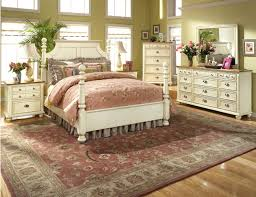 Country Cottage Style Bedrooms - English bedroom design