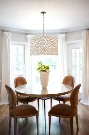 DrumshadechandelierDiningRoomTraditionalwithcenterpiece - Traditional chandeliers dining room
