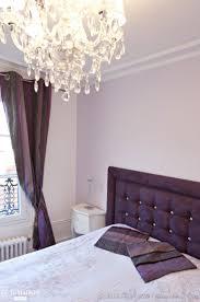 chambre en mauve fonce lit pallets idee definition my cher meuble des capitonnee