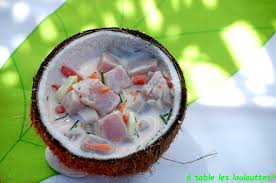 cuisine tahitienne traditionnelle a table les loulouttes salade tahitienne de poisson ou le