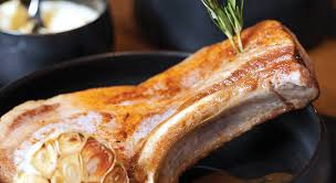 cuisiner une cote de veau recette côte de veau à l ail rosé et sa purée biarrotte