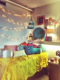Decorating With Christmas Lights In Bedroom by The 25 Best Christmas Lights In Bedroom Ideas On Pinterest