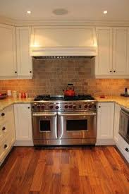 travertine kitchen backsplash 24 best travertine backsplash images on backsplash