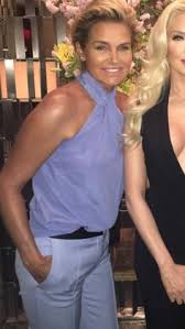 yolanda clothing off housewives yolanda foster steps out for the first time as a single woman