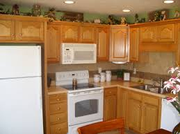 Small Country Kitchen Decorating Ideas by Country Kitchen Designs For Small Kitchens Video And Photos