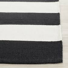 Black Striped Rug Black White Rug 35 Timeless Black And White Bedrooms That Know