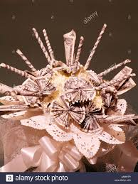 Wedding Gift Money Bridal Bouquet Made Up Of Money Marriage Finances Wedding Gift
