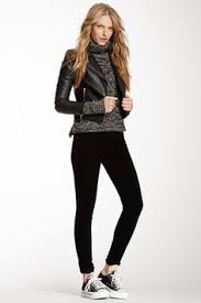Skinny Jeans And Converse Fashion Streetstyle Black Blazer Skinny Jeans And Converse