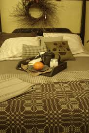 Country Quilts And Bedspreads Best 25 Primitive Bedding Ideas On Pinterest Primitive Stars