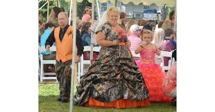 12 camo weddings dresses cakes and the perfect photo opp pics