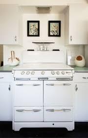 white kitchens best 25 white kitchen appliances ideas on pinterest white
