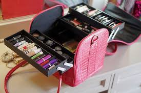 what i love about this make up kit the most is that it s so ious