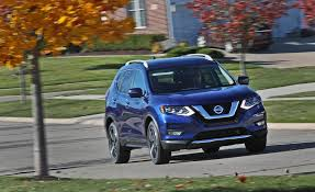 nissan rogue midnight edition 2017 nissan rogue pictures photo gallery car and driver