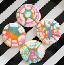 a kailo chic life make it spin art sugar cookies