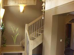 wandgestaltung treppenaufgang treppenhaus wandgestaltung 2 farbig mit wandtattoo malermeister