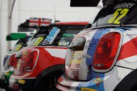Car Bonnet Flags Minis On Maximum Attack U2013 How It Feels To Race In The Mini Jcw