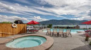 Tift Lake House 2 Bd Vacation Rental In Chelan Wa Vacasa by Bedroom Lake Chelan Shores In The Sun 13 1 2 Bd Vacation