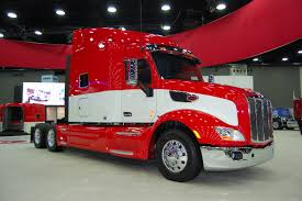 peterbilt show trucks photo gallery peterbilt motors co at the 2014 mid america