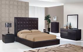 White Walls Dark Furniture Bedroom Contemporary Bedroom Furniture Brown Modern Black And On Design