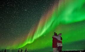 where to stay to see the northern lights best time to see northern lights amazing lighting