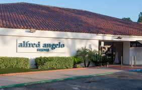 bridal shops left at altar alfred angelo closes all us bridal shops files for