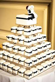 cake decorating ideas for weddings totally unique wedding cupcake