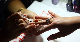 8 things your nail salon doesn u0027t want you to know