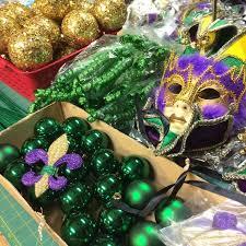 mardi gras mesh 88 best wreaths mardi gras images on mardi gras party