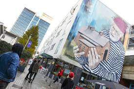 street artists stun cardiff shoppers with giant wall mural street artists stun cardiff shoppers with giant wall mural