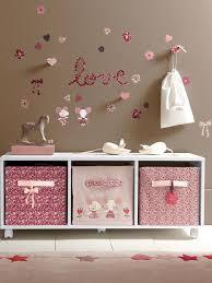 chambre a theme avec theme chambre bebe fille de boule japonaise avec papillons pour