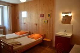 chambre ambre gîte le chalet d ambre les estables chambres tarifs
