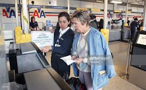 American Airlines Help Desk Faa Orders 2 5 Cut In 2 Airlines U0027 O U0027hare Flights Photos And