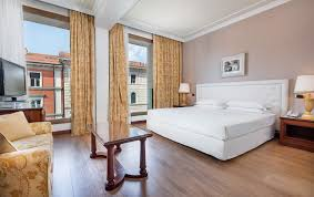 King Size Bed Hotel Rooms U0026 Suites Hotel Internazionale Bologna