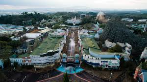 100 abandoned amusement park people still live in this 10