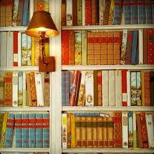 hotel chic library wallpaper at the pig hotel in england