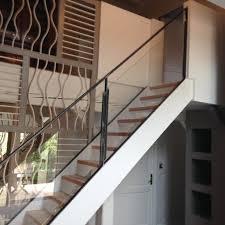 rambarde escalier design rampe d escalier en verre homeezy